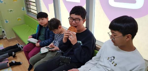 고소한 소보루빵이 너무 맛있어요♡♡