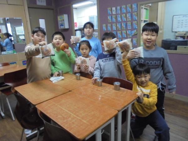 뚜레쥬르 착한빵 나눔데이 자원봉사 활동 감사합니다.