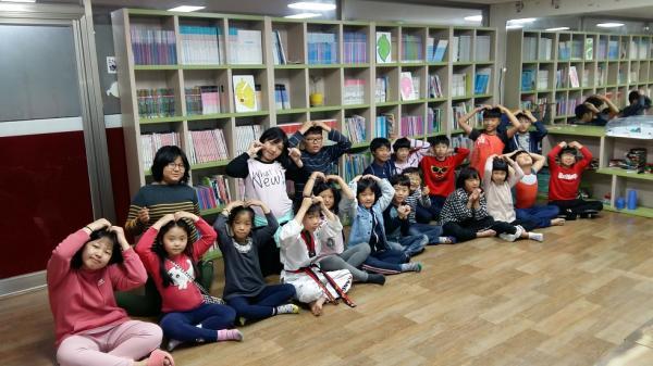 마음이 어려운 아이들이 놀이치료 프로그램을 통해 행복한 아이로 ~